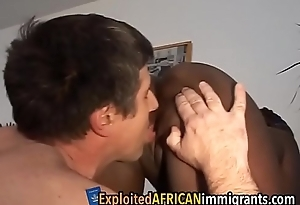 White guy exploits African girl'_s slitdeutschen-familien-1-3