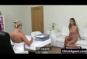 Pussy loving female agent receives oral