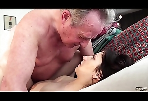Old man Warming with respect to my young pussy increased by cums around my brashness I swallow euphoria