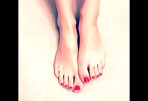 Cams4free.net - Drawing Pedicured Hooves