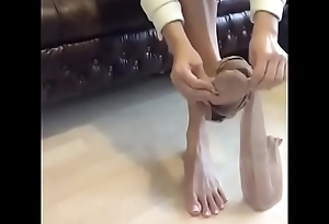 Cams4free.net - Lovely Bare Toes Long Toes